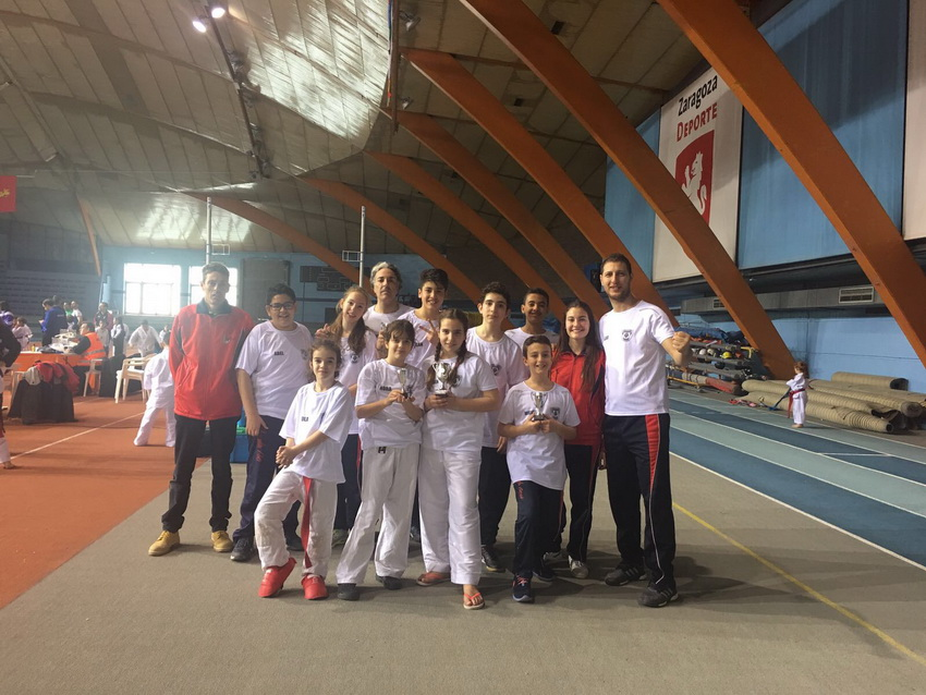 EQUIPO KARATE